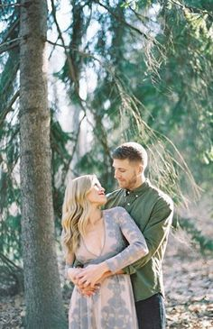 Wedding Poses Fall Engagement Photos in the Woods - There's something extra romantic in the air when autumn sets it. These two took advantage of the outdoors for their fall engagement photos in the woods. Fall Engagement, Engagement Couple, Engagement Pictures, Engagement Session, Engagement Outfits, Engagement Ideas, Wedding Pictures, Wedding Photography Styles, Couple Photography