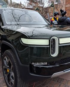 Close Up - Rivian R1S New Pickup, Mustang Cars, Electric Cars, Concept Cars, Cars And Motorcycles, Offroad, Luxury Cars, Recreational Vehicles, Dream Cars