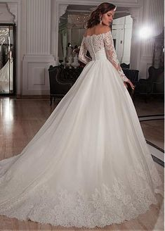 Elegant Tulle Off-the-Shoulder Neckline Ball Gown Wedding Dresses with Lace Appliques,348