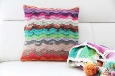 Beautifully crocheted yourself at home and to give some instant inspiration we have collected these 20 fabulous handmade crochet designs. Crochet Pillow Cases, Crochet Designs, Pillow Design, Hand Crochet, Cushions, Throw Pillows, Blanket, Diy, Handmade