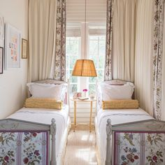 Bunk Rooms, English Decor, French Country Bedrooms, Pretty Bedroom, House Inside, Guest Bedrooms, Guest Room, Little Girl Rooms, Beautiful Bedrooms