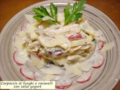 Carpaccio+di+funghi+e+ravanelli+con+salsa+yogurt
