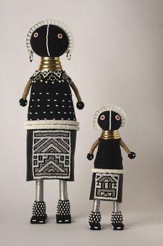 Ndebele dollls at Mahatsara - Deco