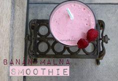 Banán-málna smoothie Smoothies, Tray, Home Decor, Glutenfree, Smoothie, Decoration Home, Gluten Free, Room Decor, Trays