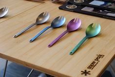 A Snow Peak staple done in brilliant anodized colors, the lightweight and durable Titanium Spork is the ultimate backpacking utensil.