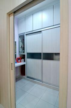 #slidingdoor #trackless #plywood #laminate #walkinwardrobe #woodwork #custommade #goldencarpentry #malaysia