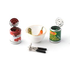 RP16238 Cans of Food and Bowl