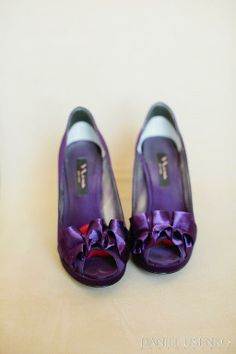 MORE purple..pantone color of the year! http://www.a-dreamwedding.com/