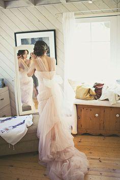 Vera Wang | Amelia Lyon Photography -- #weddinggown #wedding #verawang #dress #gown