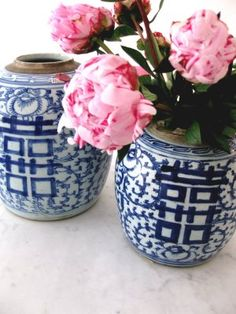 blue & white ginger jars filled with flowers