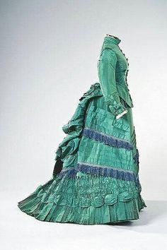 Day dress 1875