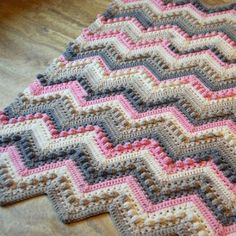 Diy_Crafts-Crochet Hugs & Kisses Baby Blanket This crochet pattern / tutorial is available for free. Crochet Bobble Blanket, Crochet Baby Blanket Free Pattern, Afghan Crochet Patterns, Crochet Afghans, Crochet Yarn, Diy Crafts Crochet, Crochet Crowd, Chevron Baby Blankets, Bobble Stitch