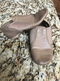 be9cb3f6dcbb67 Capezio Girls jazz dance shoes size 13.5 M tan  fashion  clothing  shoes