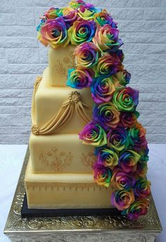 Fabulous Rainbow Roses Create This Gold At The End Of Concept Cake