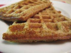 Belgische Waffeln -paleo- - Frühstück, Zwischendurch - 1 Prise Salz, 3 frische Eier, 100 g gemahlene Mandeln, 50 ml Nussmilch, 2-3 EL Honig, 3 EL flüssiges Fett ( Butter oder Kokosöl), 1 TL Weinsteinbackpulver, 3 EL Mandel- oder Kokosmehl