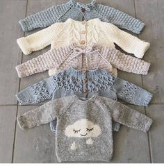 Free Knitting Pattern Baby Cardigan with Cables Baby Knitting Patterns, Knitting For Kids, Baby Patterns, Free Knitting, Knitting Projects, Crochet Patterns, Knit Baby Sweaters, Knitted Baby Clothes, Baby Knits