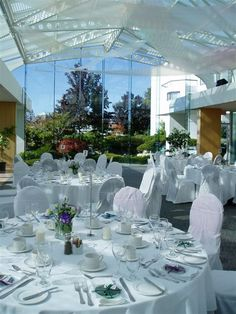 White wedding dinner