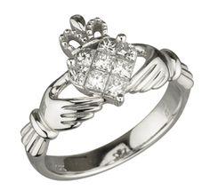 Claddagh Ring traditional Irish ring
