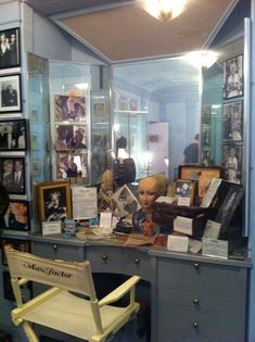 marilyn monroe bedrooms | Marilyn Monroe The make up room Marilyn was made up in in the max ...