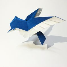 Blue Jay Blue Jay Designed and folded by Ryan Dong -One piece square paper.