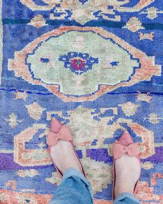 Cobalt purple Turkish rug kitchen mat, bathroom rug, boho style, oushak rug – Newest Rug Collections Bright Decor, Colorful Decor, Affordable Rugs, Kitchen Mat, Bathroom Rugs, Bathroom Ideas, Eclectic Decor, Shades Of Purple, Pencil Shavings
