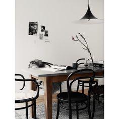 No 14 stol, svart – Ton – Köp online på Rum21.se