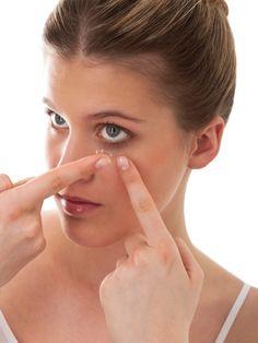 So können Kontaktlinsen deinen Augen schaden
