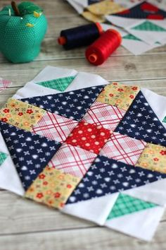 Quilt Block Tutorial - Block 2 von Meet the Makers - Quilting # patchwork quilts tutorial Quilting For Beginners, Quilting Tips, Quilting Tutorials, Quilting Projects, Quilting Designs, Machine Quilting, Quilt Block Patterns, Pattern Blocks, Quilt Blocks