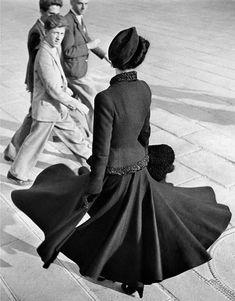 Model Renee wearing the Dior New Look at the Place de la Concorde, Paris, 1947.