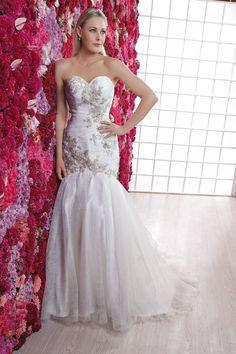 El modelo Nazira es el vestido que llevará puesto Ingrid Nieto en su gran día. ¡Estamos seguras de que lucirás bellísima! #Colección2015 #Vestido #Novia #Boda #Wedding #Dress