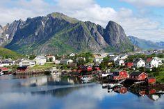 Reine, Norway | ©Harvey Barrison/Flickr