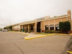 Minot (ND) Days Inn Minot United States, North America Stop at Days Inn Minot to discover the wonders of Minot (ND). Featuring a complete list of amenities, guests will find their stay at the property a comfortable one. To be found at the hotel are free Wi-Fi in all rooms, 24-hour front desk, facilities for disabled guests, family room, newspapers. Each guestroom is elegantly furnished and equipped with handy amenities. The hotel offers various recreational opportunities. Days...