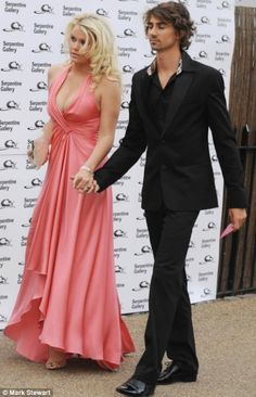 Kittenish Lady Kitty Spencer's peach of a dress Princess Diana Pictures, Princess Diana Family, Kitty Spencer, Spencer Family, Family Photo Album, Bridesmaid Dresses, Wedding Dresses, Golden Girls, Royal Fashion