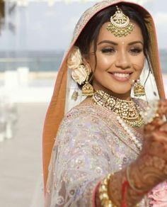 @manidrehar❤ Kaushal Beauty, Muslimah Wedding Dress, Beautiful Dress Designs, Bridal Makeover, Bridal Hairdo, Indian Bridal Makeup, Braided Hairstyles For Wedding, Pakistani Bridal Dresses, Bride Look