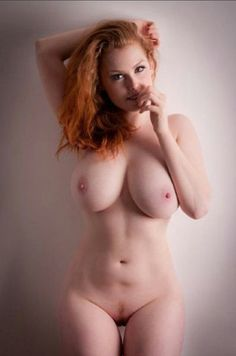 Hot ginger eith perfect tits