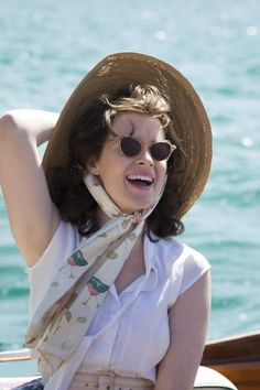 Claire Foy as Elizabeth II in netflix's The Crown, 2016