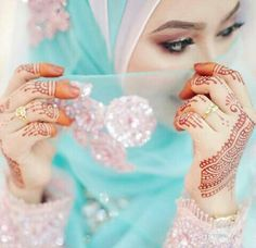 Learn Quran Academy provide the Quran learning services at home. Our mission to teach Quran with proper Tajweed and Tafseer to worldwide Muslim community. Stylish Girls Photos, Stylish Girl Pic, Muslim Girls, Muslim Women, Mehendi, Hajib Fashion, Hijab Gown, Hijab Outfit, New Hijab