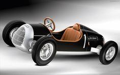 Audi e-tron Concept - 1936 Auto Union Type C Grand Prix car
