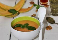 Sárgadinnye-krémleves bazsalikomos pestoval