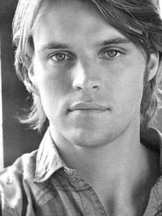 Dr. Robert Chase - House md - Jesse Spencer - I could see him a little more bulky playing Atretes :)