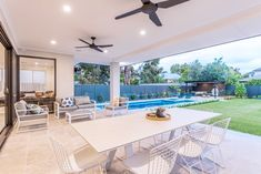 Sunny disposition ❤️ Shake off the winter blues with these summer views. Enjoy a beautiful winter's day relaxing by the pool thanks to this lovely alfresco area by Promenade Homes. Backyard Garden Design, Patio Design, Backyard Patio, Backyard Ideas, Outdoor Pergola, Outdoor Rooms, Outdoor Living, Outdoor Decor, Alfresco Designs