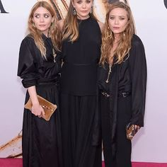 Mary-Kate & Ashley Olsen Are Joined By Sister Elizabeth at CFDA Fashion Awards Photo Mary-Kate and Ashley Olsen are joined on the red carpet by their younger sister Elizabeth Olsen at the 2016 CFDA Fashion Awards held at the Hammerstein Ballroom… Mary Kate Ashley, Elizabeth Olsen, Ashley Olsen Style, Olsen Twins Style, Glamour, Olsen Sister, Kid Sister, Estilo Indie, Cfda Awards