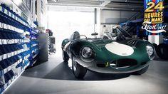 Lendas de Le Mans: Jaguar D-Type, o sucessor do C-Type e pai do XKSS Com o C-Type, a Jaguar conseguiu vencer Le Mans em 1951 e em 1953. E quem vence mais de uma vez demonstra que não foi questão de sorte, mas sim de mérito. Sucesso, como dizem, é constância, e era exatamente essa constância que a marca britânica precisava mostrar depois de chegar ao topo da prova de endurance mais importante do mundo. A questão era como fazer isso. O C-Type já mostrava envelhecimento diante dos concorrentes…