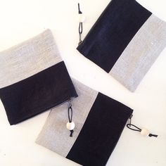 Linen color block cosmeticbag. Natural and black linen.