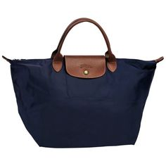 Bought this in Edinburgh 2014 -?Longchamp le pliage bag in navy blue Medium size with short handles Luxury Bags, Luxury Handbags, Fashion Handbags, Fashion Bags, Runway Fashion, Handbags On Sale, Tote Handbags, Tote Bags, Nylons