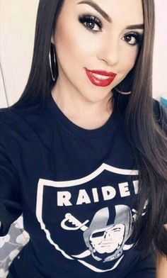 Raiders Vegas, Raiders Girl, Chicano, Arte Lowrider, Raiders Cheerleaders, Chola Girl, Raiders Wallpaper, Chola Style, Oakland Raiders Football