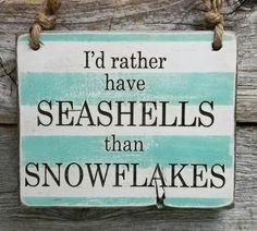 I'd rather have seashells than snowflakes. Love the beach Beach Christmas, Coastal Christmas, Tropical Christmas, Christmas Ideas, I Need Vitamin Sea, I Love The Beach, Beach Crafts, Ocean Crafts, Seashell Crafts