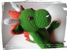 késztermék, azonnal szállítható Horgolt sárkány. Mérete: 19-20 cm a test, szarvacskáival együtt 23 cm ülve. Vatelinnel töltve. Alize Cotton Gold fonálból horgolva, biztonsági szemmel készült. Színei: zöld, fehér, narancs. A szarvacskák is vatelinnel vannak töltve... Dinosaur Stuffed Animal, Toys, Animals, Amigurumi, Activity Toys, Animales, Animaux, Clearance Toys, Animal