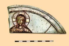 Фрагмент камяної іконки із зображенням Христа. Константинополь. Кінець XII ст. З…