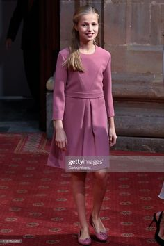 Spain, Dresses With Sleeves, Long Sleeve, Fashion, Moda, Gowns With Sleeves, Fashion Styles, Sevilla Spain, Fasion